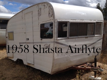1958 Shasta Airflyte with title