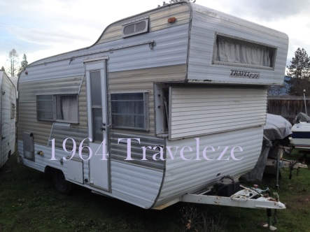 1964 Traveleze with title